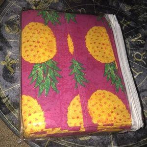 Pineapple sheet set